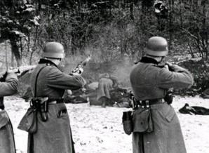 Luchshie-filmyi-v-retsenziyah-Obyiknovennyiy-fashizm-Obyknovennyy-fashizm-1965-2