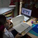 Ραγίζουν καρδιές: «Σε παρακαλώ κόψε το ρεύμα σε μια ώρα, τώρα κάνει μάθημα το παιδί μου»